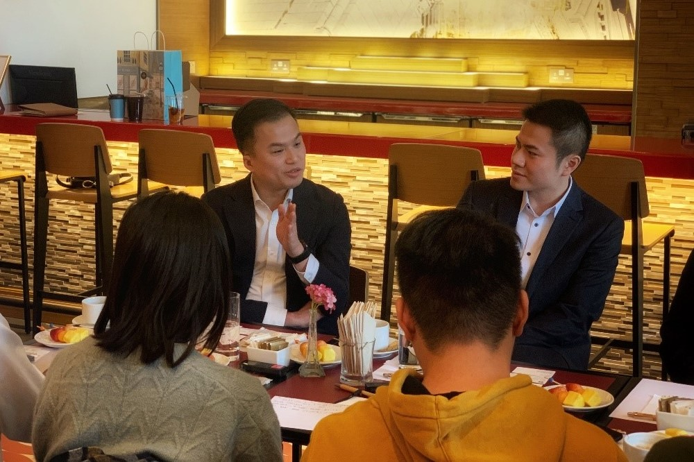 澳門航空航線規劃及收益管理部總經理吳文坦(左二)分享消費者洞察分析對業務發展的價值。