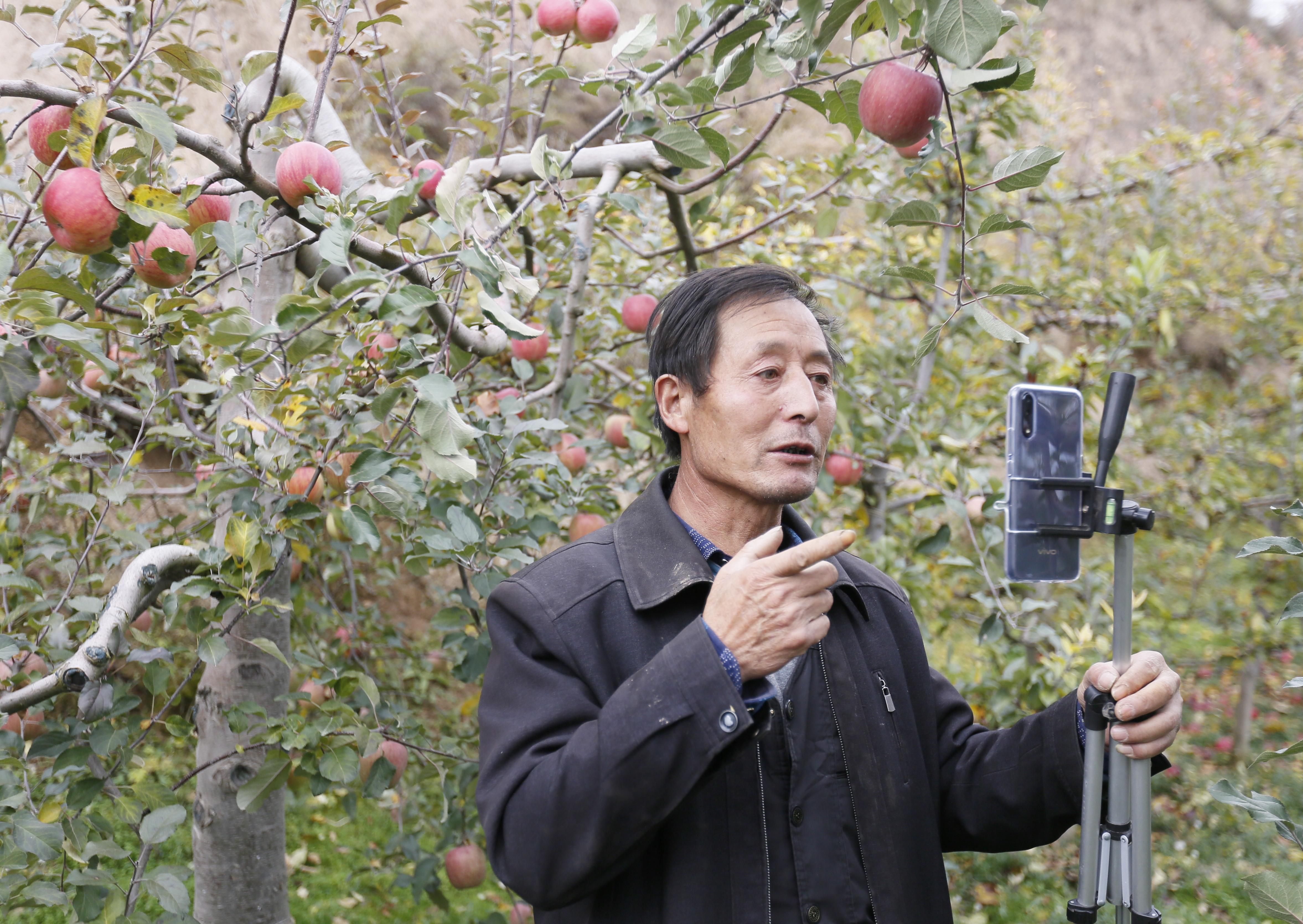 Livestreaming-ecommerce-filantropi-alibaba-2020-marketing-for-good