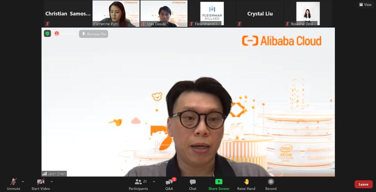 Leon-Chen-Dalam-Konferensi-In-Indonesia-for-Indonesia