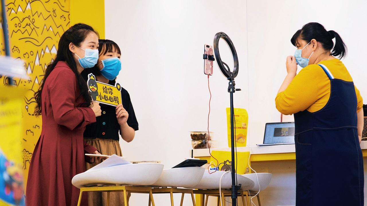 芸能人300人、企業トップ600人が生配信。「天猫618」大型キャンペーンの目玉の一つはライブコマースに